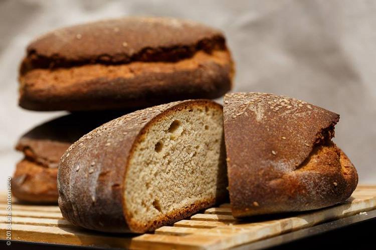 Pane-Nero-di-Castelvetrano